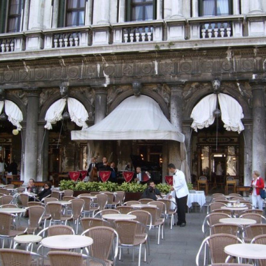 одна из старейших кофеен в мире Флориан