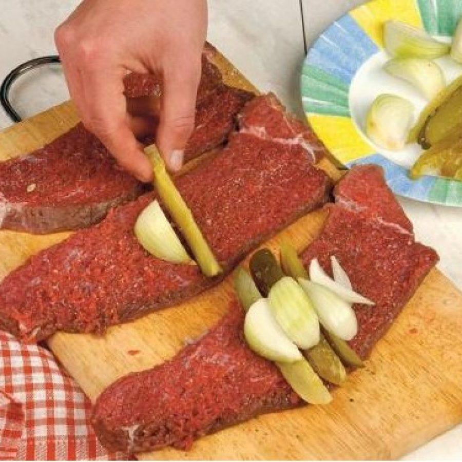 как приготовить рулеты из говядины с беконом