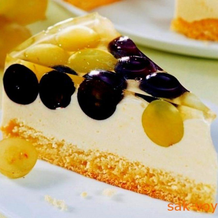 торт с кремом из вина и виноградом