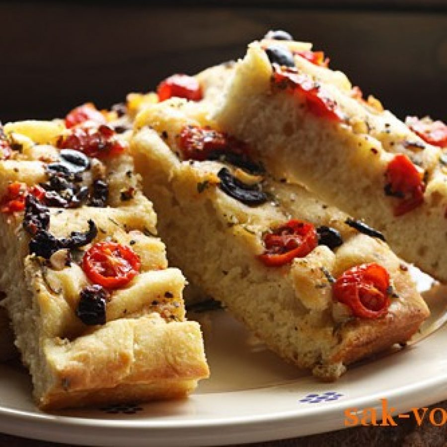 пошаговый рецепт с фото: фокачча с помидорами и оливками