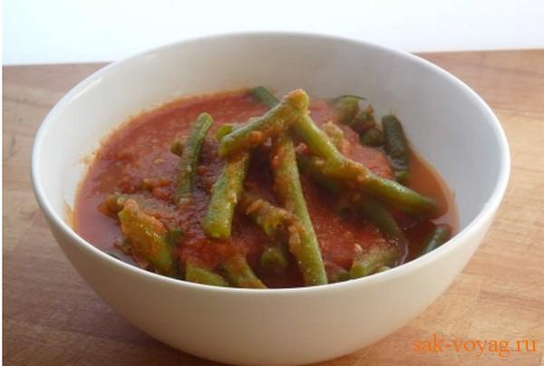 как приготовить постное блюдо стручковую фасоль в томатном соусе
