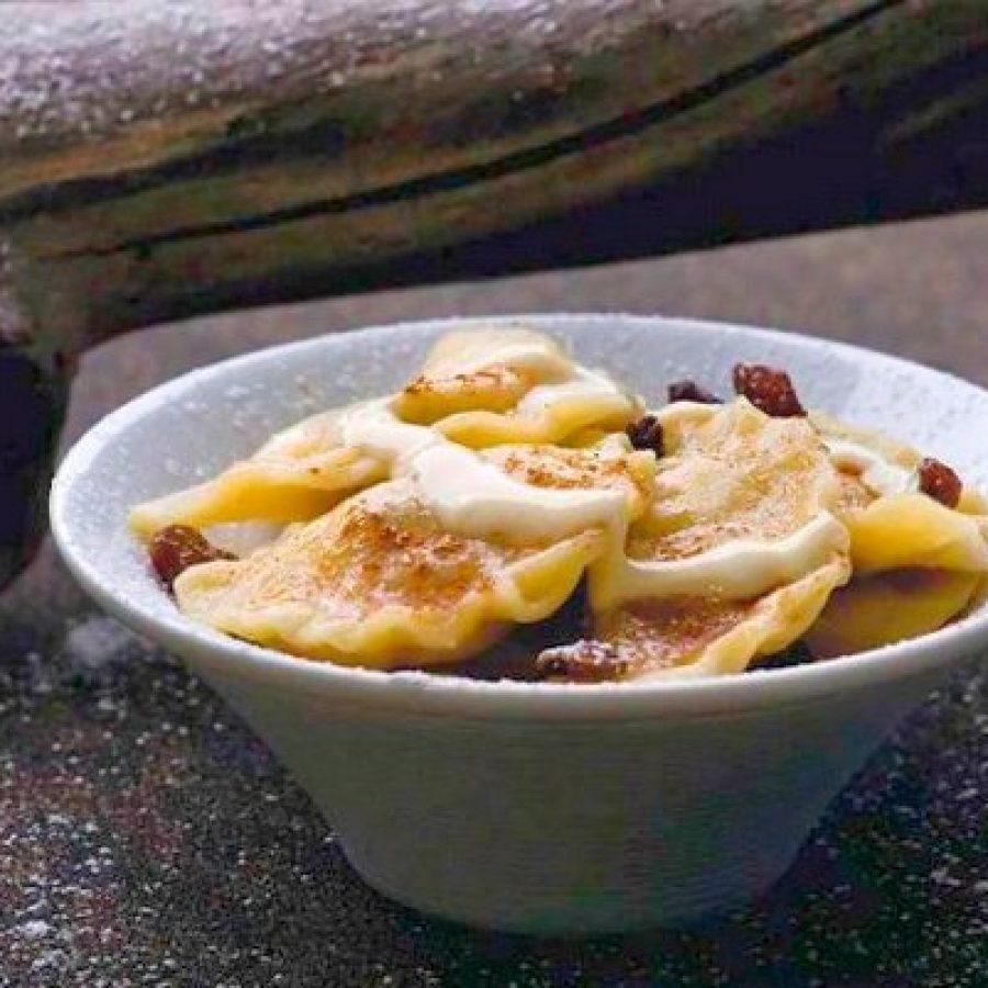 как приготовить вареники с творогом, орехами и изюмом