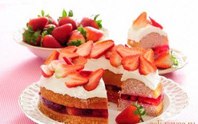 как приготовить торт с клубникой желе и сливками