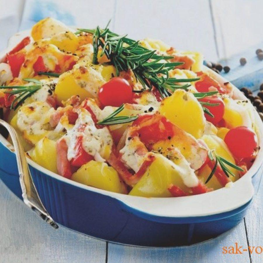 как приготовить Картофельнаую запеканку с ветчиной, сыром и пряными травами