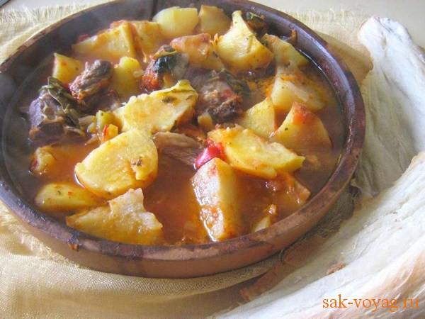 картошка тушеная с мясом с томатной пастой рецепт