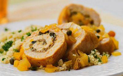 куриные рулетики с черносливом и изюмом с соленым огурцом рецепт